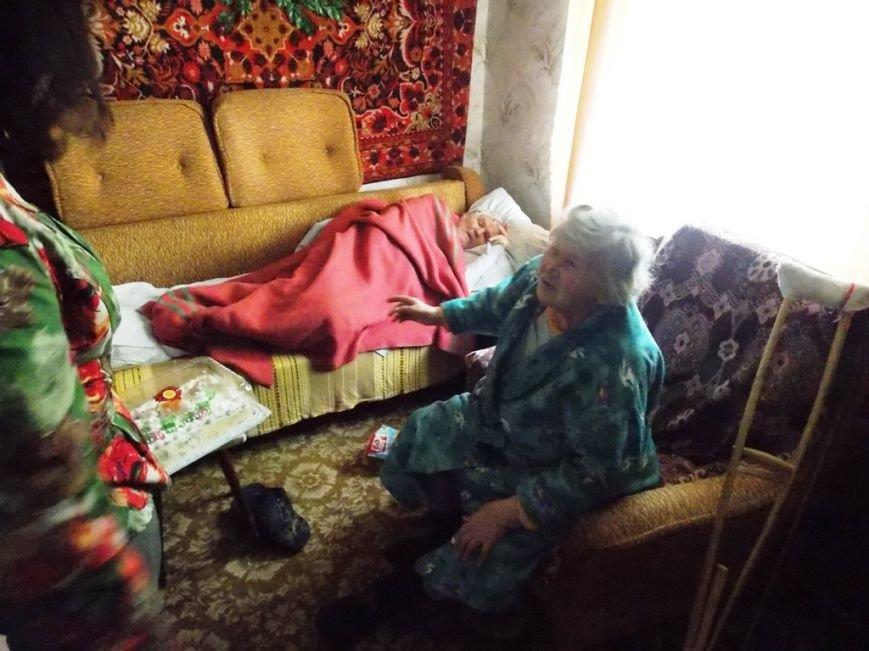 Артемовский благотворительный фонд «ДАР» поздравил ветеранов-инвалидов с Пасхой, фото-5
