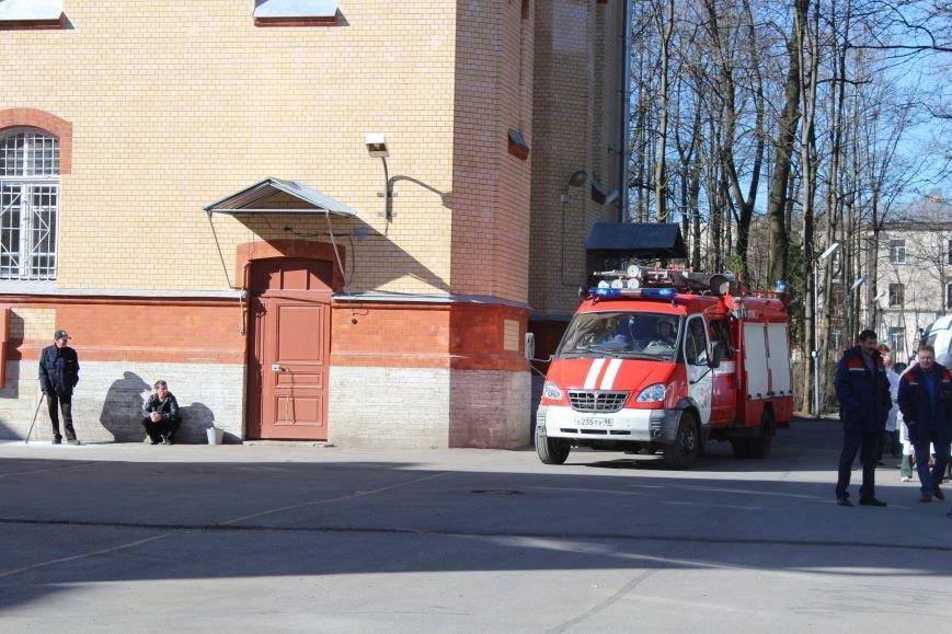 23 апреля, учебная тренировка, пожар, противотуберкулезный диспансер, город Пушкин