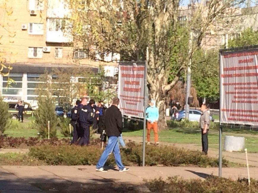 В Мариуполе здание горсовета освободили от захватчиков? (Обновляется+ФОТО, ВИДЕО) (фото) - фото 3