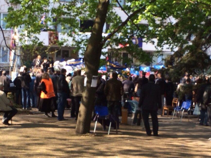 В Мариуполе здание горсовета освободили от захватчиков? (Обновляется+ФОТО, ВИДЕО) (фото) - фото 4