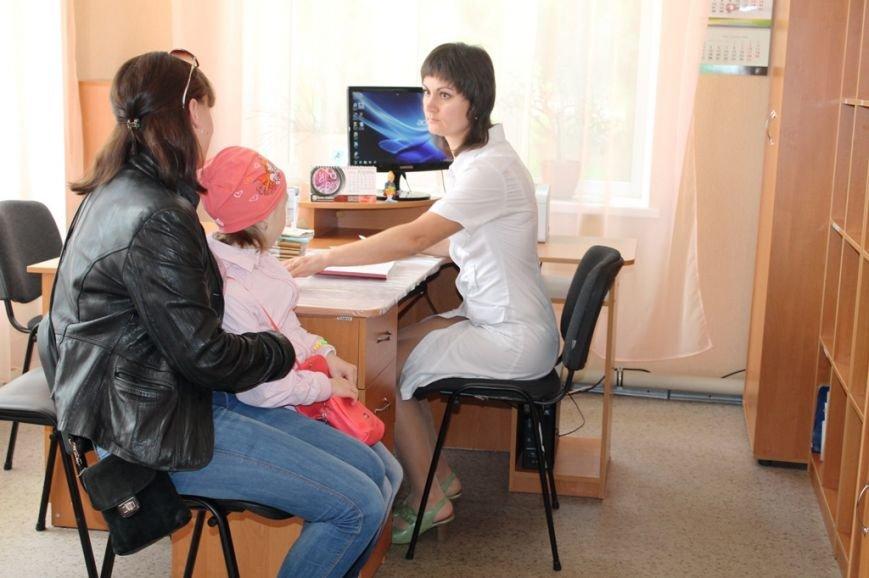 В Артемовске открыли после капитального ремонта поликлинику (ФОТО), фото-13