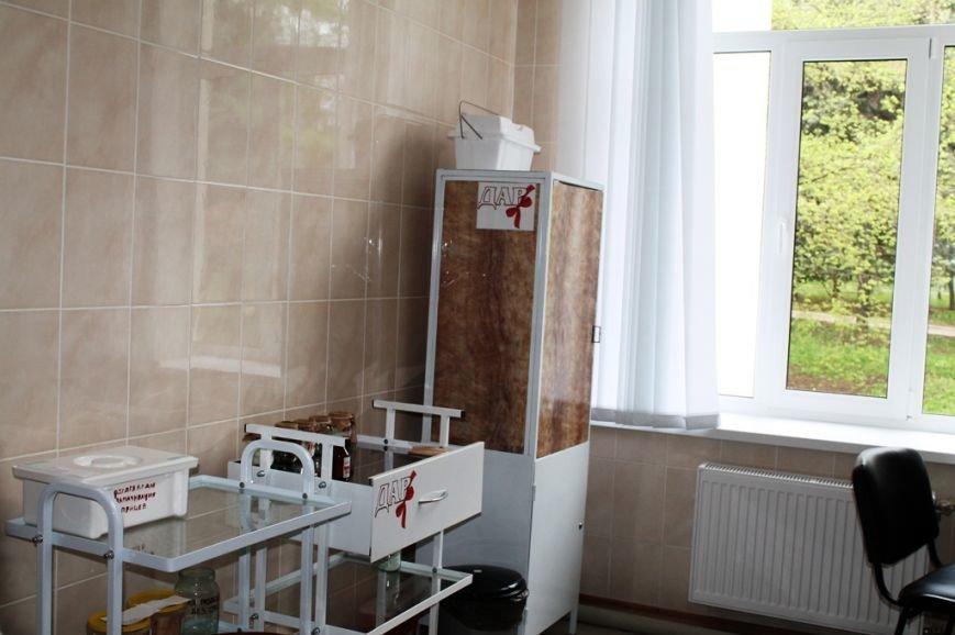 В Артемовске открыли после капитального ремонта поликлинику (ФОТО), фото-15