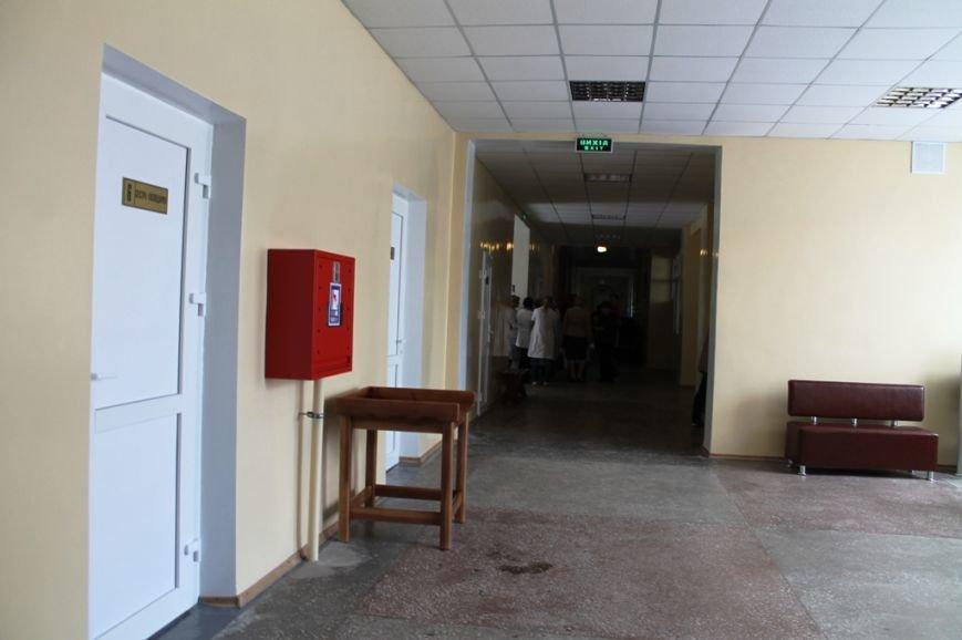 В Артемовске открыли после капитального ремонта поликлинику (ФОТО), фото-14