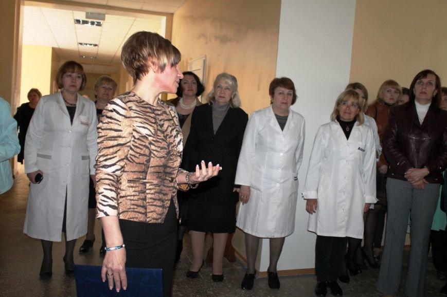 В Артемовске открыли после капитального ремонта поликлинику (ФОТО), фото-7