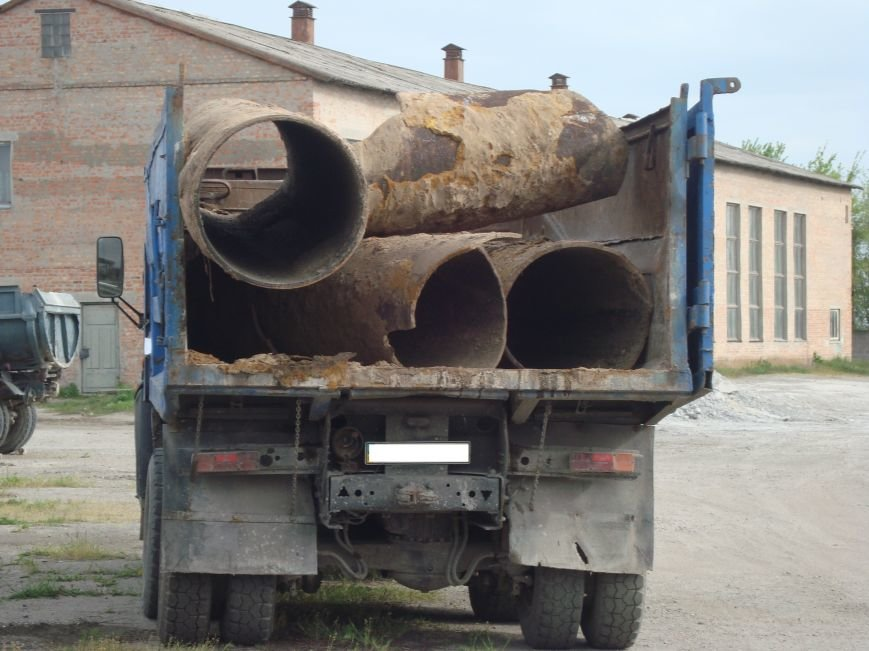 В Днепродзержинске продолжается поиск организованной группы лиц которая демонтировала часть канализационного коллектора, фото-1