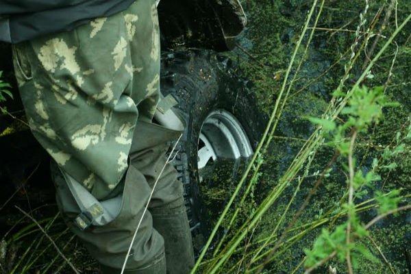 Фоторепортаж: гродненские джиперы отправились за подснежниками (фото) - фото 1