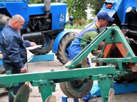 На Рівненщині обрали найкращого тракториста, фото-2