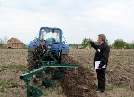 На Рівненщині обрали найкращого тракториста, фото-1