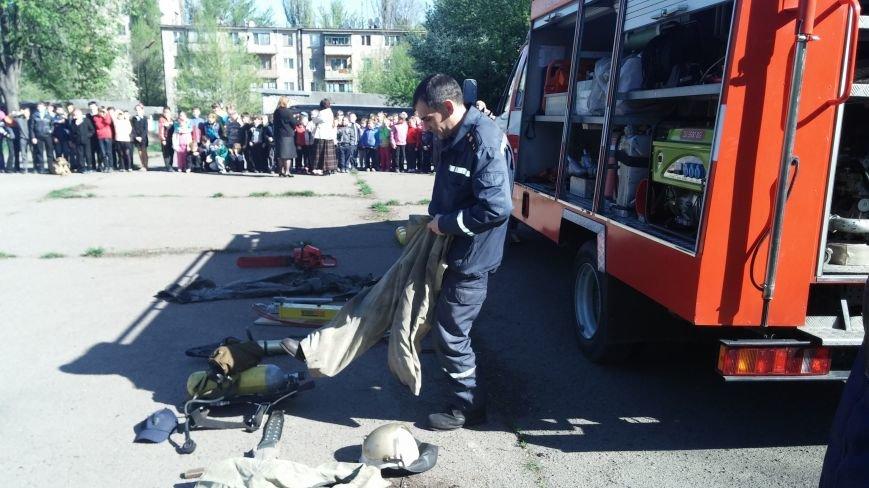 Спасатели тушили «пожар» во дворе Днепродзержинской школы № 12, фото-2