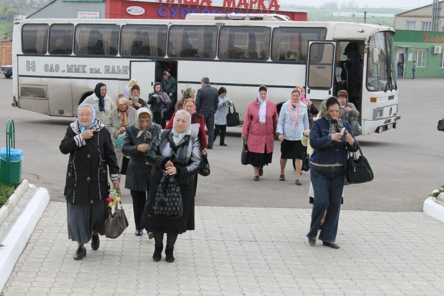 Верующие Приазовья встретили православные святыни в Свято-Покровском храме с. Боевое, фото-1