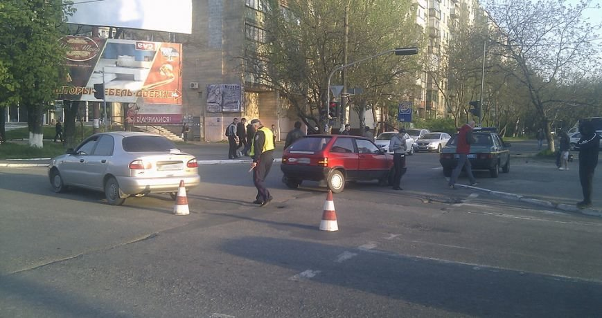 В Мариуполе столкнулись две легковушки (ФОТО), фото-5