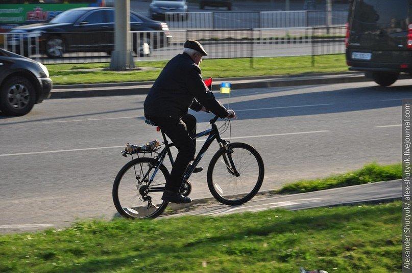 Львів'яни активно пересідають на велосипеди – пальне дороге та й проїзд у маршрутках подорожчав (ФОТО), фото-1
