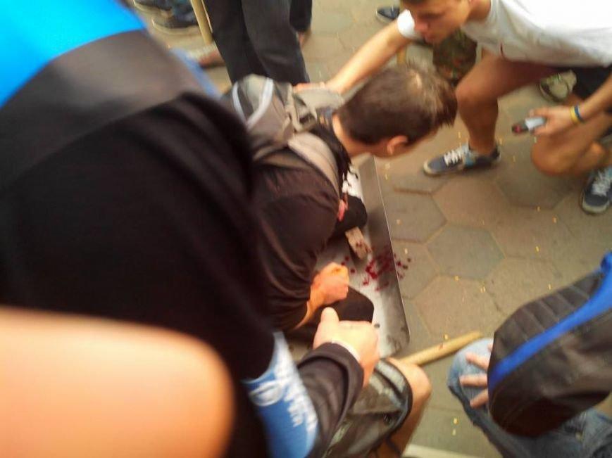 В центре Одессы столкновение: стреляют шумовыми гранатами (ФОТО, СТРИМ), фото-3