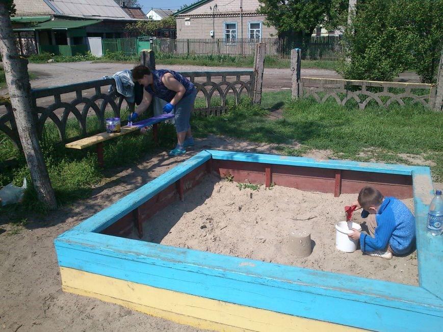 В Днепродзержинске обновили и расширили детскую площадку на  55-ом блочке, фото-8