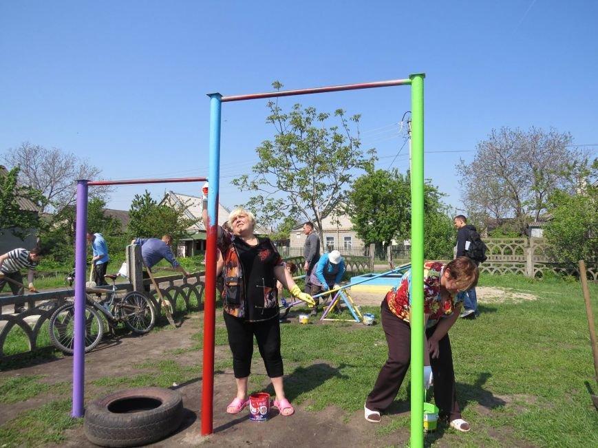 В Днепродзержинске обновили и расширили детскую площадку на  55-ом блочке, фото-1