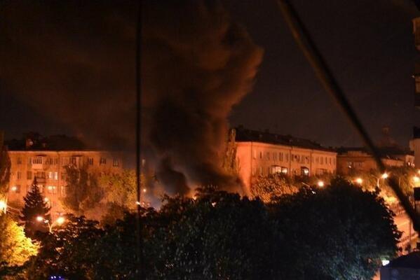 В Мариуполе стреляют. Горят шины. Центр города перекрыт (Обновляется ФОТО+ВИДЕО), фото-5
