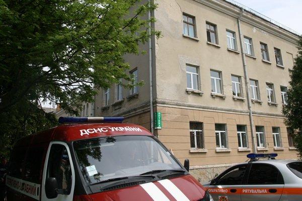 У Тернополі горів один із корпусів обласної лікарні (фото), фото-1