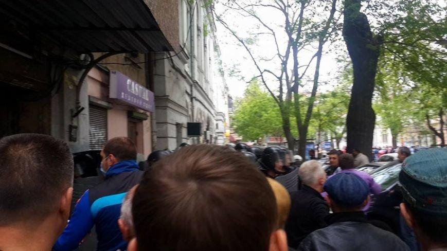 В Одессе штурмуют здание горУВД (ФОТО, ИНФОРМАЦИЯ ОБНОВЛЯЕТСЯ), фото-8