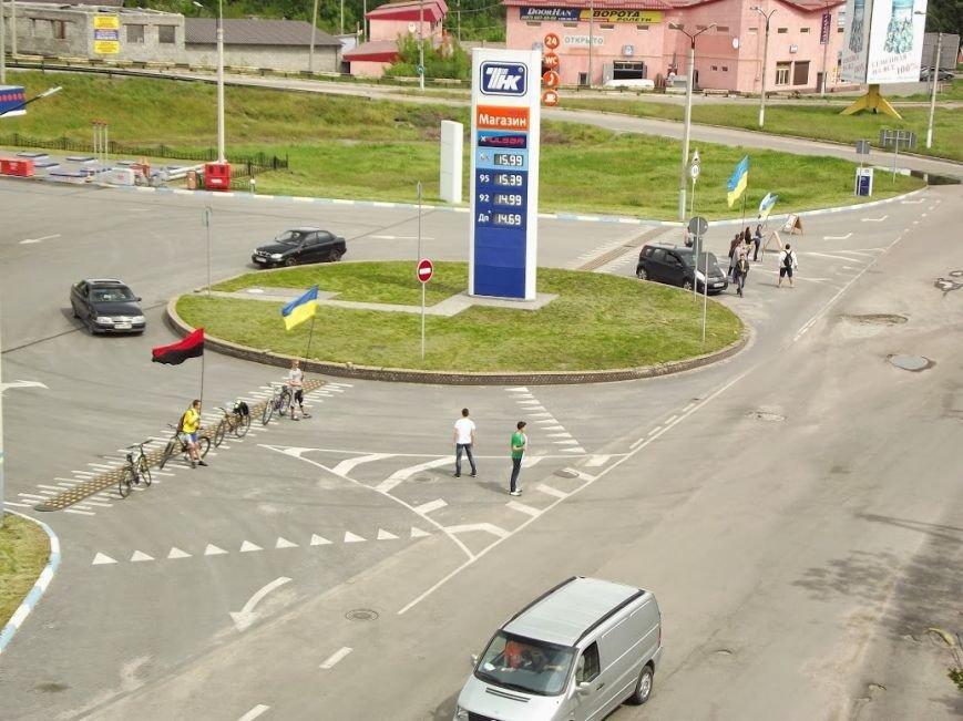 В Днепродзержинске бойкотировали автозаправку «ТНК», фото-2
