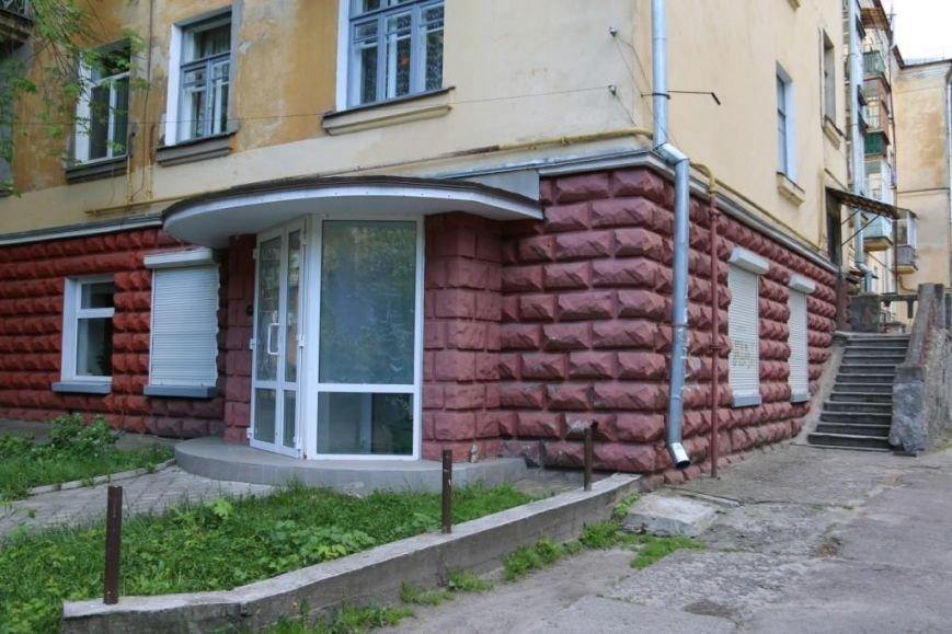 Окна в офисе Яценюка в Чернигове побили по ошибке, фото-2