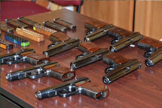 У львівському трамваї знайшли 9 пістолетів (ФОТО), фото-3