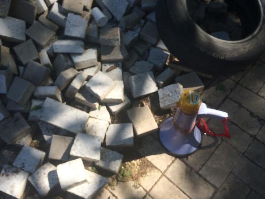 Мариупольский горсовет освобожден, возле здания разбирают баррикады (Дополняется+ФОТО), фото-6