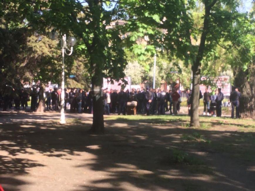 Мариупольский горсовет освобожден, возле здания разбирают баррикады (Дополняется+ФОТО), фото-4