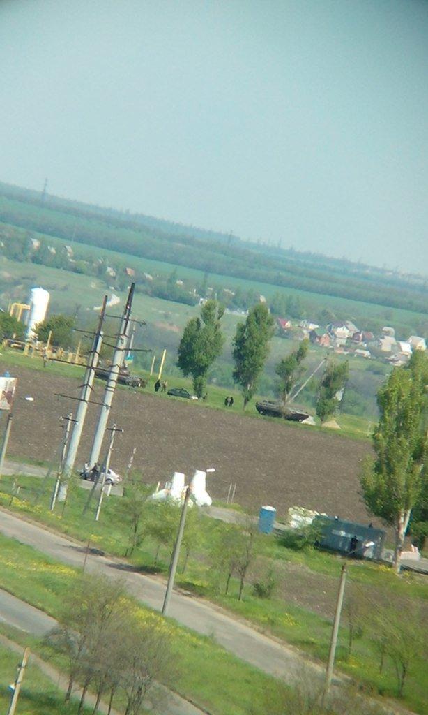 В Мариуполь вошли танки (ФОТО+ВИДЕО), фото-7