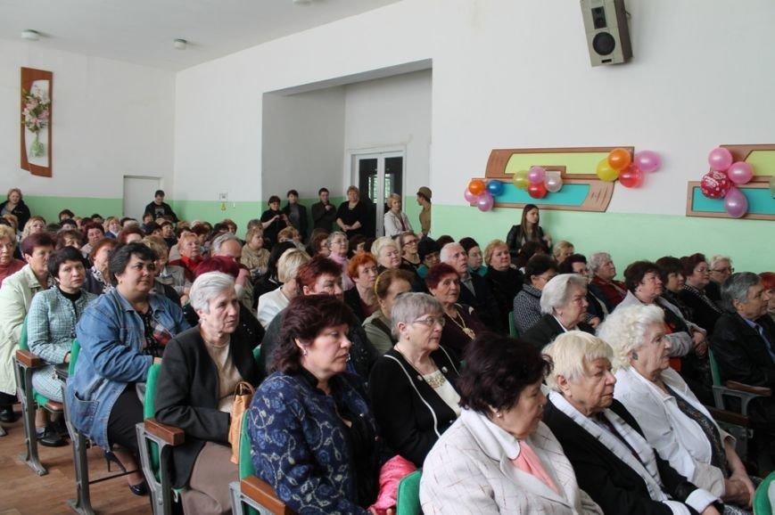 В Артемовске поздравили ветеранов войны и ветеранов педагогического стажа, фото-9