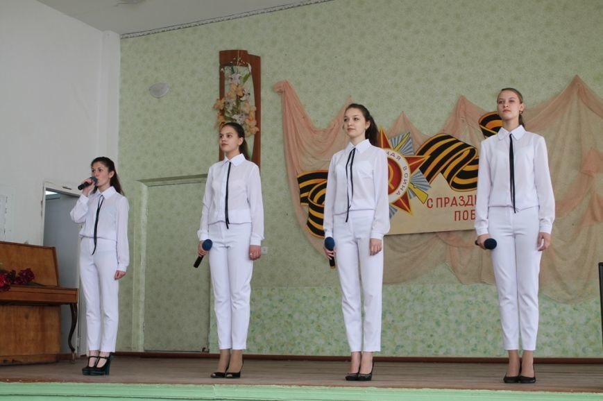 В Артемовске поздравили ветеранов войны и ветеранов педагогического стажа, фото-8