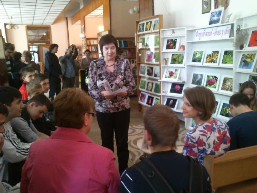 Окно в мир, открывали в Днепродзержинской центральной библиотеке им. Т. Г. Шевченко, фото-6