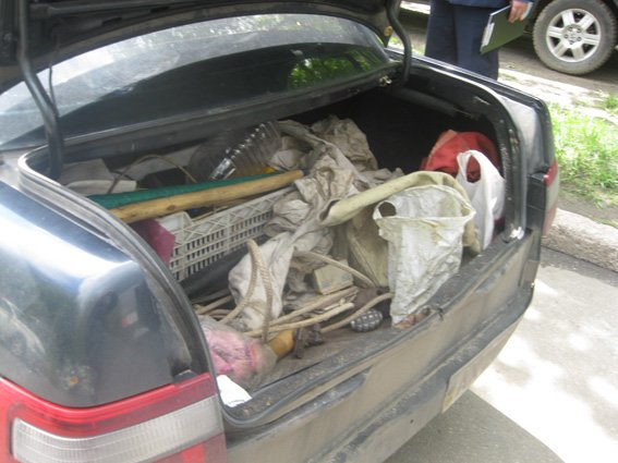 Мужчина хотел провезти в Харьков «снаряжение» для массовых акций, фото-1