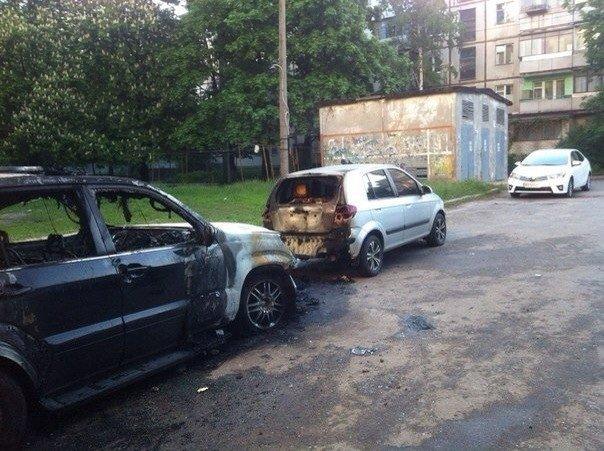 Ночью в Харькове горели автомобили. Подробности происшествия, фото-1