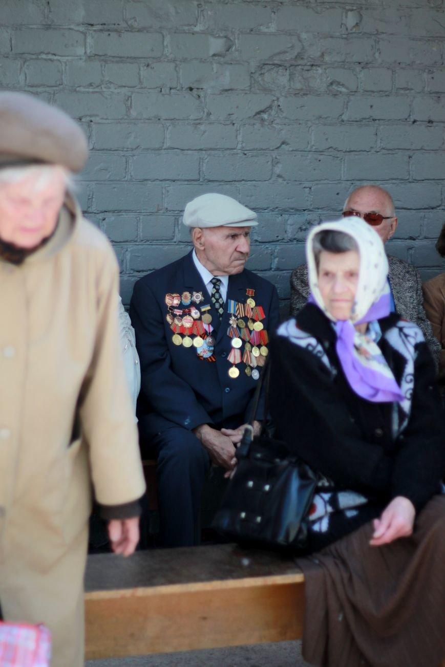 Мариупольские депутаты поздравили ветеранов с Днём Победы, фото-2