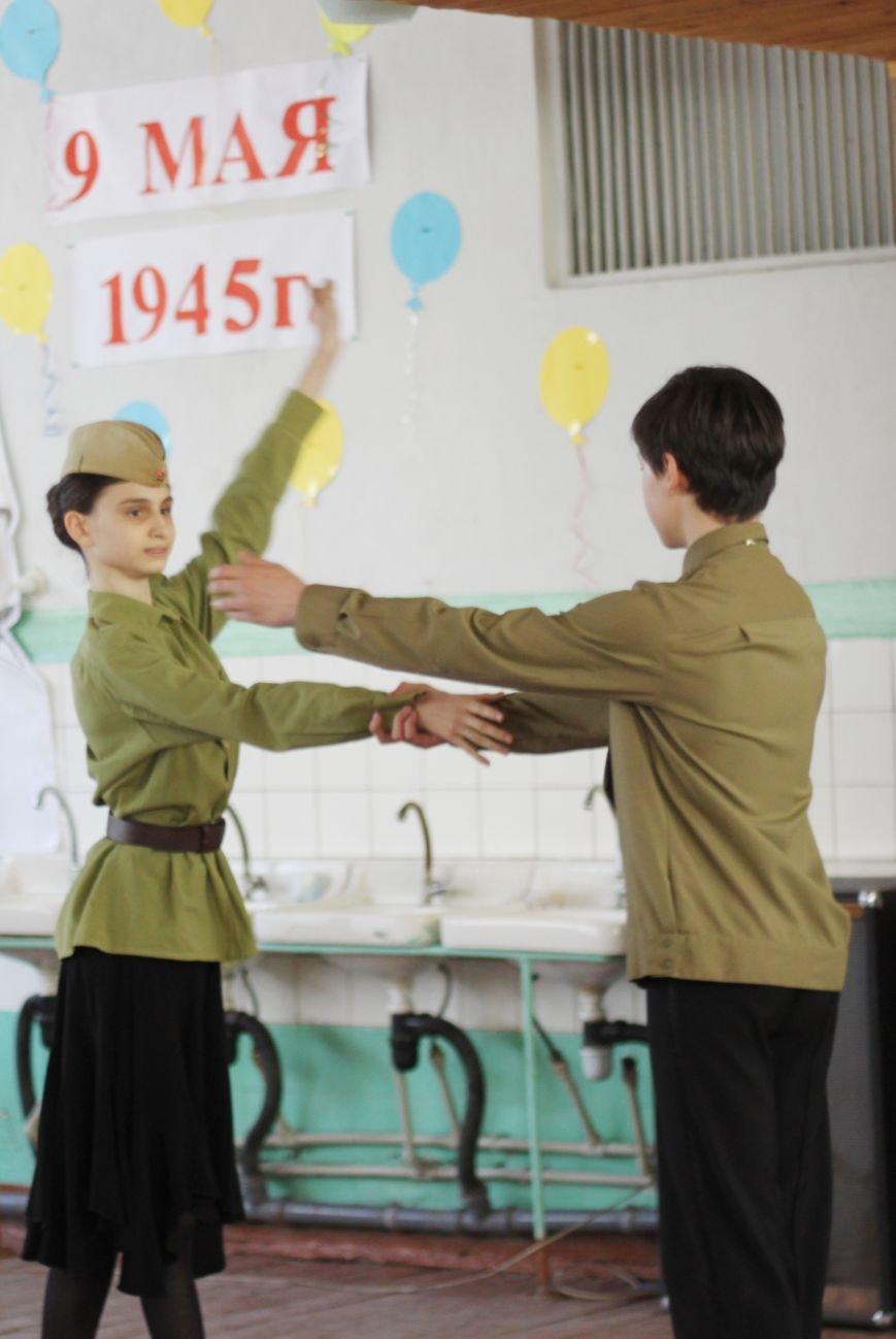 Мариупольские депутаты поздравили ветеранов с Днём Победы, фото-3