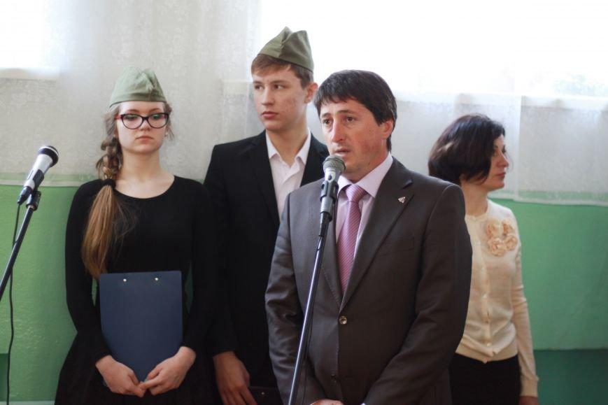 Мариупольские депутаты поздравили ветеранов с Днём Победы, фото-1