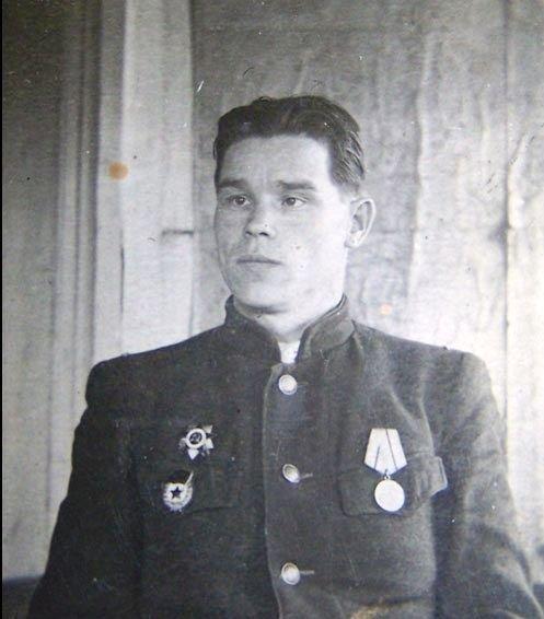 Ст л-т Петров в годы войны