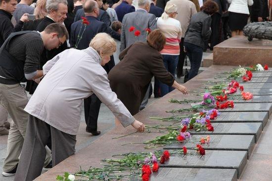 Николаевцы возложили цветы к памятнику Ольшанцам (ФОТО), фото-6