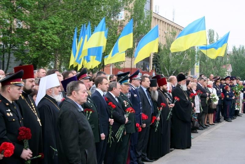 Николаевцы возложили цветы к памятнику Ольшанцам (ФОТО), фото-2