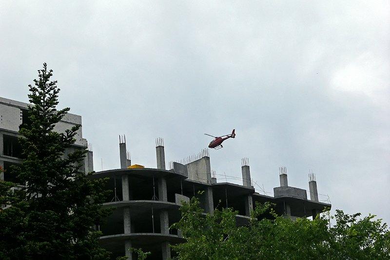 Над центральной площадью в Николаеве все утро кружил вертолет (ФОТО), фото-2