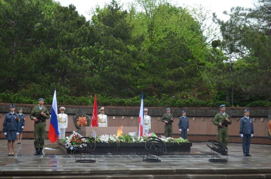 Дождь не помешал провести парад Победы в Симферополе (ФОТО, ВИДЕО), фото-9