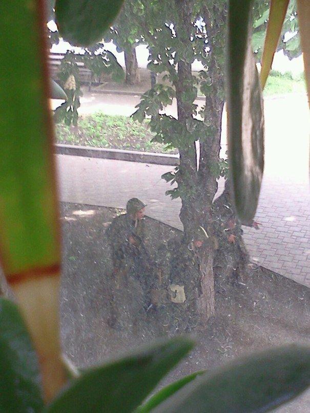 В Мариуполе стреляют! Горят здания, гибнут люди (ФОТО+ВИДЕО+ОБНОВЛЯЕТСЯ) (фото) - фото 3