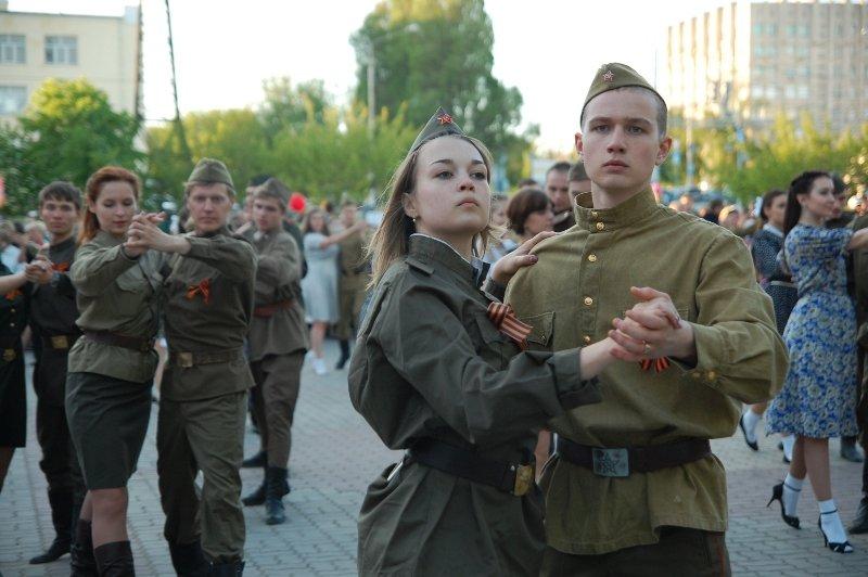 День Победы в Белгороде: Военный вальс, фото-3