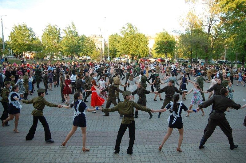 День Победы в Белгороде: Военный вальс, фото-1