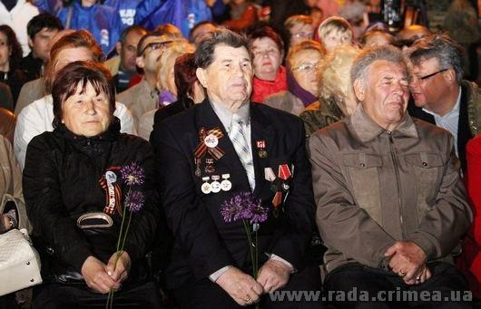 Тысячи керчан приняли участие в факельном шествии (ФОТО), фото-3