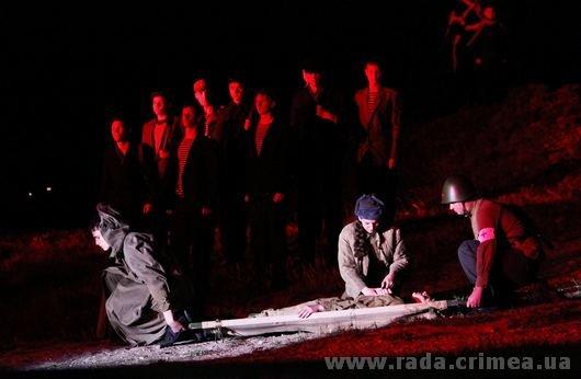 Тысячи керчан приняли участие в факельном шествии (ФОТО), фото-6