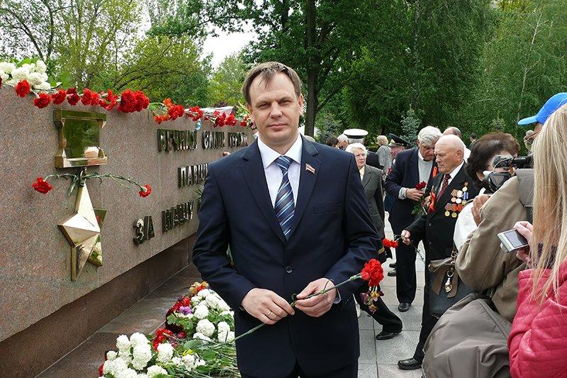 В Николаеве мирно отметили День Победы (ФОТОРЕПОРТАЖ), фото-19