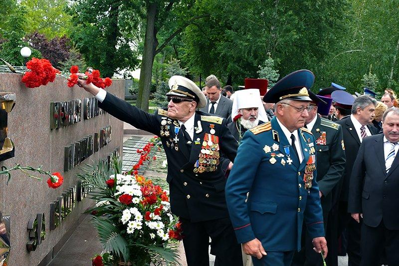 В Николаеве мирно отметили День Победы (ФОТОРЕПОРТАЖ), фото-1