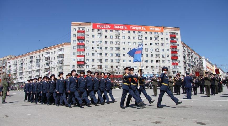 В ульяновском параде впервые маршировали девушки, фото-3