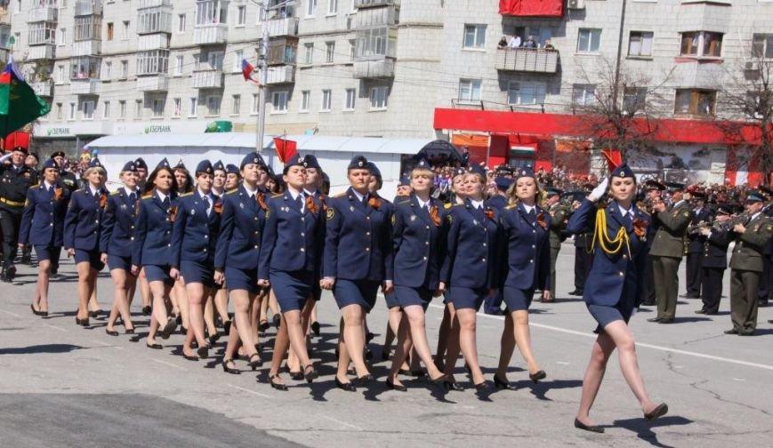 В ульяновском параде впервые маршировали девушки, фото-4